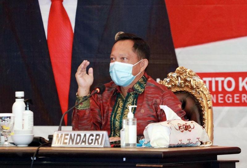FOTO : Menteri Dalam Negeri Republik Indonesia, Muhammad Tito Karnavian Saat Memimpin Rapat Koordinasi Kesiapan Pilkada Serentak Tahun 2020 dan Pengarahan kepada Satuan Tugas Covid-19 di Provinsi Jambi di Hotel SwissBell Jambi, Rabu (26/08/20)