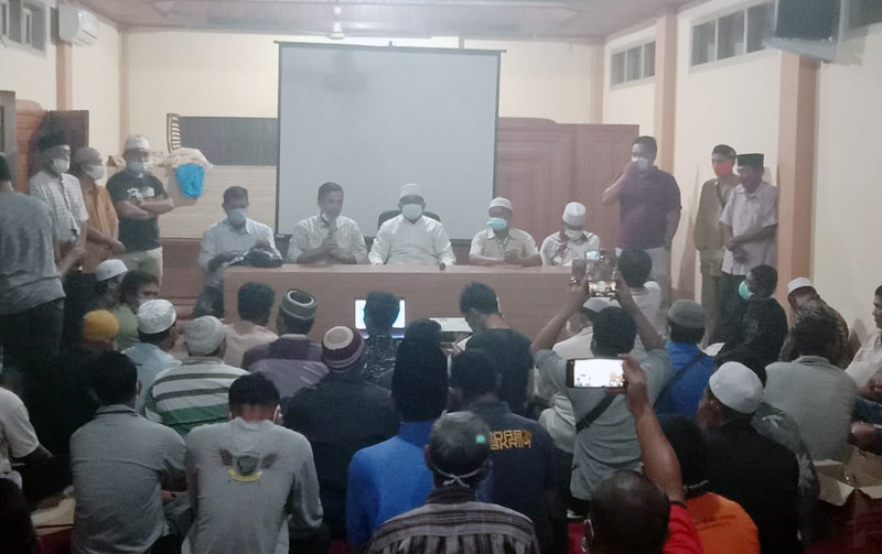 FOTO : Anwar Sadat di Hotel Arryadh Kuala Tungkal, Rabu malam (09/12/20).