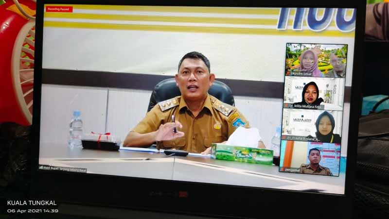 FOTO : Tangkapan Layar Wakil Bupati Tanjabbar Hairan saat memberikan pengarahan kepada peserta Latsar CPNS secara virtual, Selasa (06/04/21)