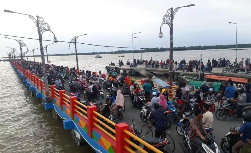 FOTO : WFC Kuala Tungkal di Foto Saat Belum ada Wabah Covid-19 di Indonesia Hingga Tak Ada Pengunjung yang Memakai Masker
