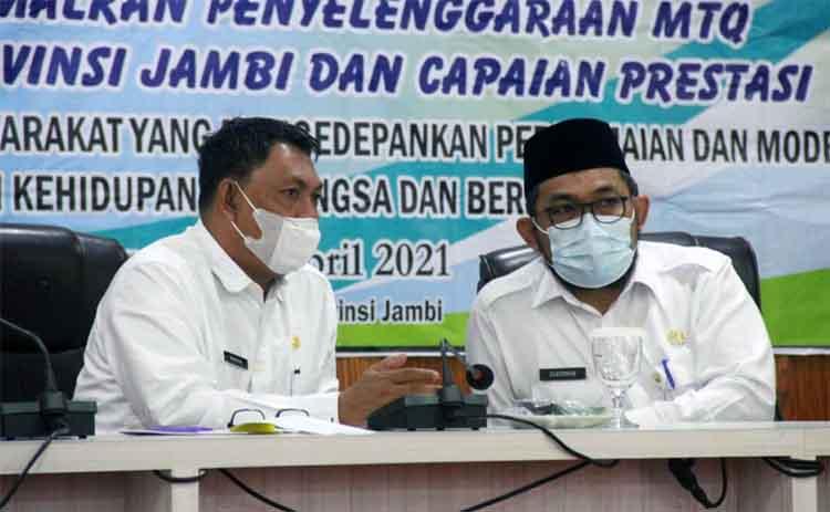 Wakil Bupati Hairan, SH bersama Sekda Provinsi Jambi H. Sudirman, SH, MH pada Acara Rapat Kerja Daerah Lembaga Pengembangan Tilawatil Qur'an (LPTQ) Provinsi Jambi, Rabu (07/04/21).