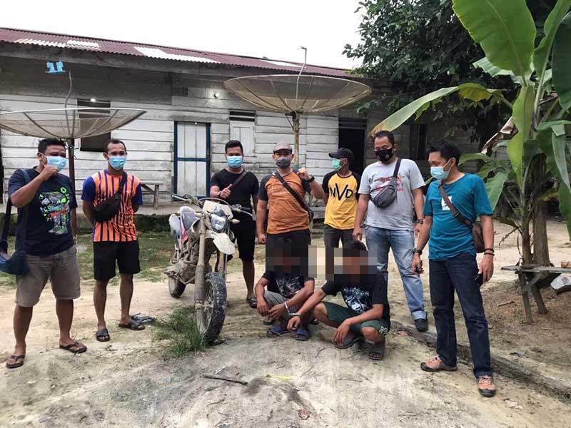 FOTO : Pelaku IP (27) dan ESS (27) yang Diamankan Unit Reskrim Polsek Tungkal Ulu, Kamis (29/10/20)