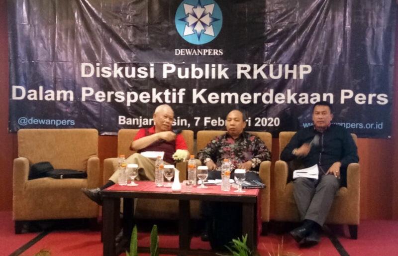 FOTO : Diskusi Publik KUHP Dalam Perspektif Kemerdekaan Pers Hari Pers Nasional (HPN) 2020 di Banjarmasin, Jumat (07/02/20).