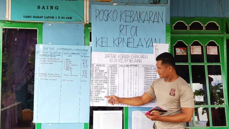 FOTO : Ketua Tagana Tanjab Barat, Imam Sumantri Nenunjukan Data Kebakaran, Minggu (02/12/18)