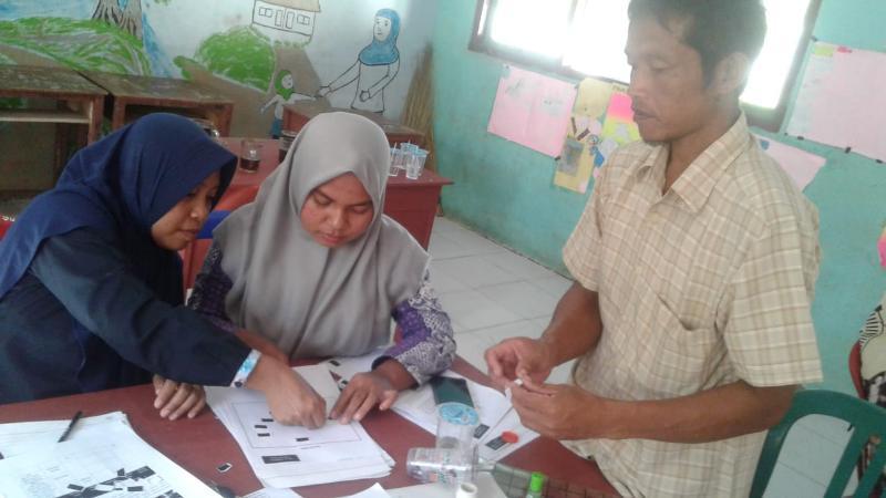 FOTO : Sejumlah guru aktif mengikuti pelatihan yang diadakan di SMPN Satu Atap 7 Pengabuan  Tanjung Jabung Barat, Sabtu-Senin, (12-14/1/19)