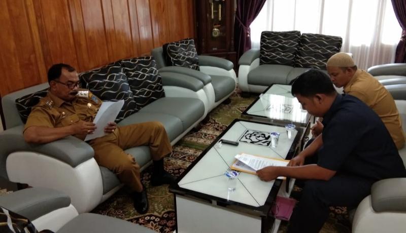 FOTO : Silaturahmi Panpel Musber FHT dengsn Wakil Bupati Tanjab Barat Drs. H. Amir Sakib