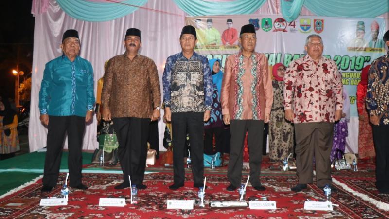 FOTO : Bupati Safrial Hadiri Aruhan Ganal dan Pelantikan Pengurus KBB Tanjab Barat, Senin (26/08/19)