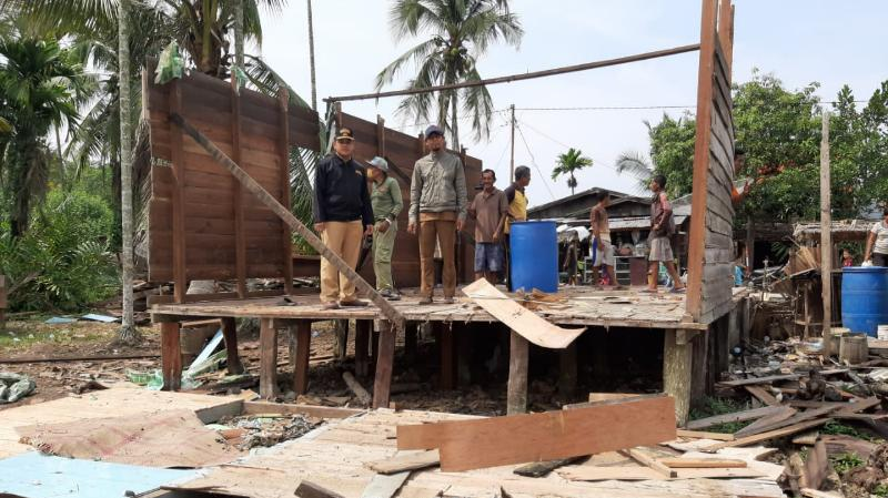 FOTO : Salah Satu Rumah Warga yang Dibongkar, Senin (02/09/19)