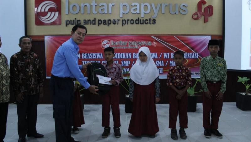 FOTO : Dok. PT LPPPI Serahkan Beasiswa Pendidikan Untuk Siswa Sekolah Se-Kecamatan Tebing Tinggi, Kamis (12/09/19)