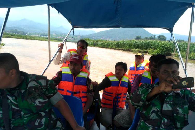 Ilustrasi pencarian orang tenggelam. (Foto: someone)